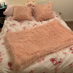 Project 62 Bedding - Blush Pink Fuzzy Blanket + 2 Pillows Set